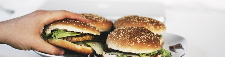 Come fare un burger di soia completo in casa